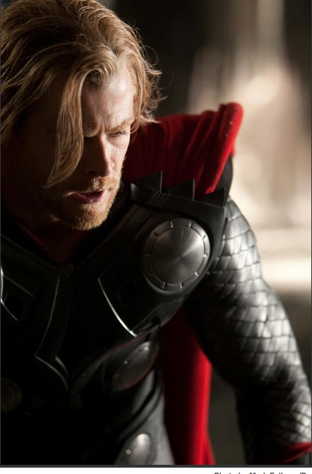 a pic of george kirk as thor