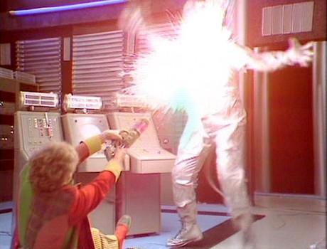 Attack of the Cybermen (DOCTOR WHO) - C. Baker vs Cyberman