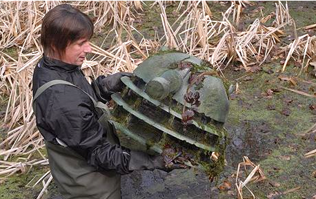 Dalek head found in pond (from filming of '80s DOCTOR WHO?)