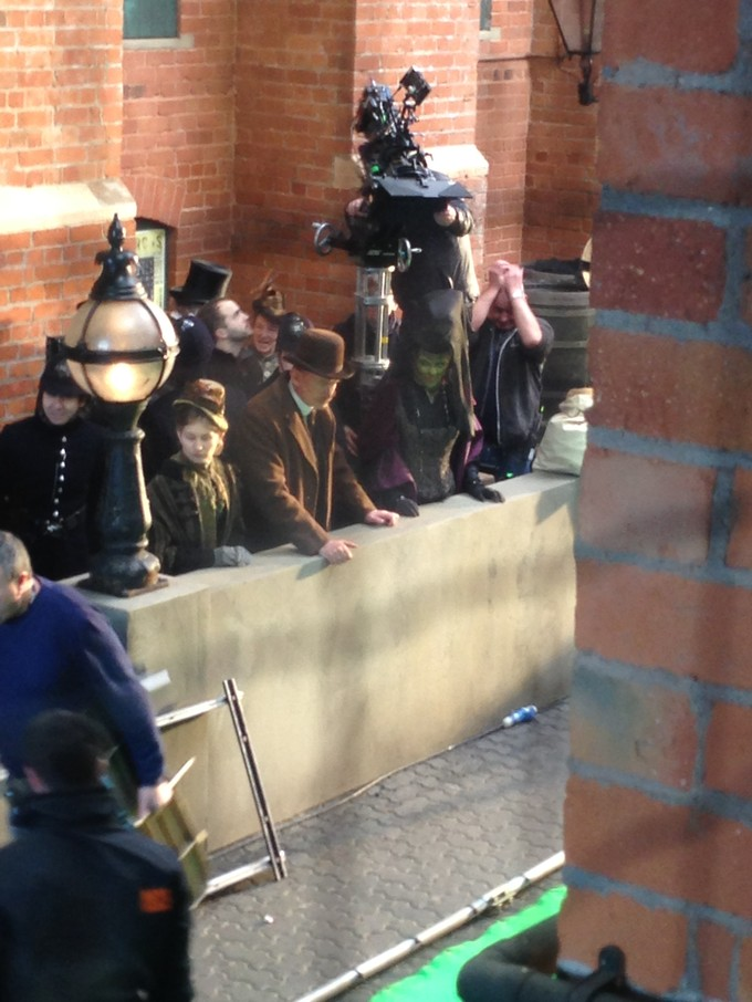 DW S8E01 filming