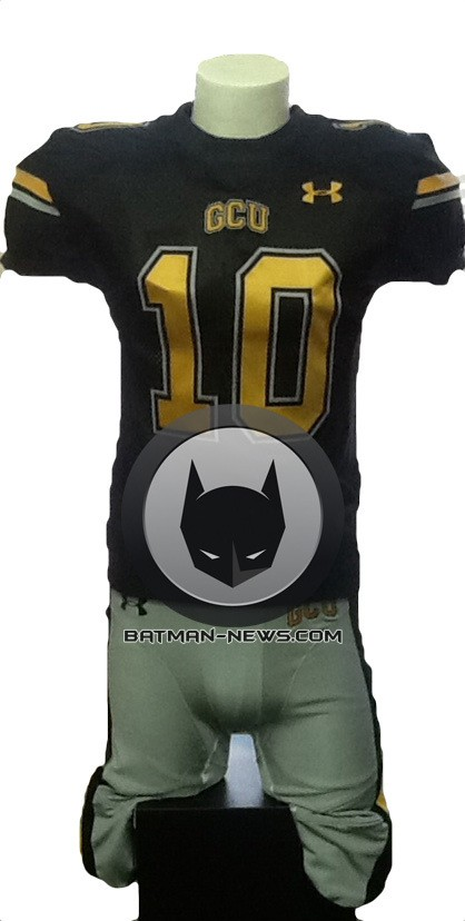 MAN OF STEEL sequel Gotham football jersey