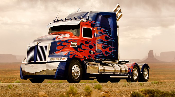 New Optimus truck (TRANSFORMERS 4)