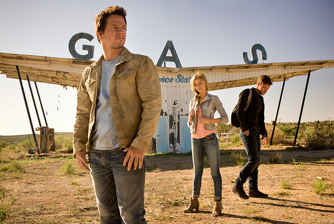 Wahlberg, Peltz, Reynor - TRANSFORMERS: AGE OF EXTINCTION