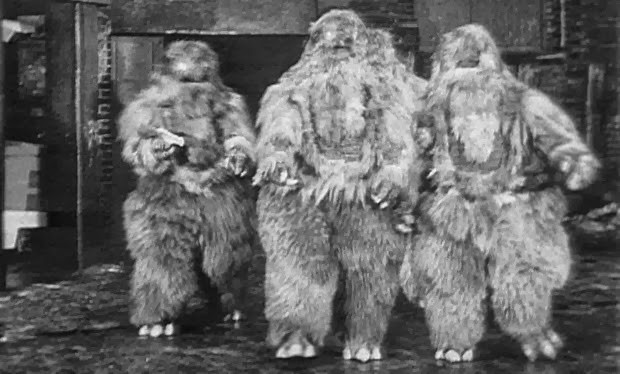 Yetis! DOCTOR WHO: The Web of Fear