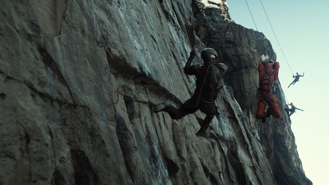 Snake Eyes fights ninjas on the side of a mountain in G.I. JOE: RETALIATION