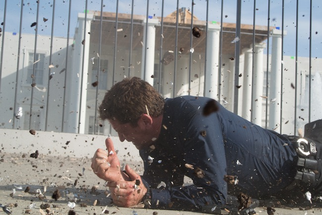 Gerard Butler avoiding attack in OLYMPUS HAS FALLEN