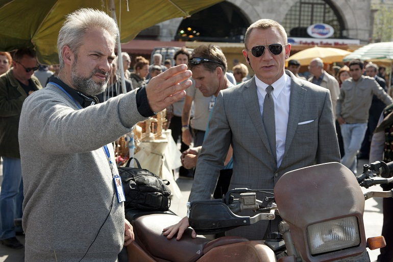 Sam Mendes directing Daniel Craig on the set of SKYFALL
