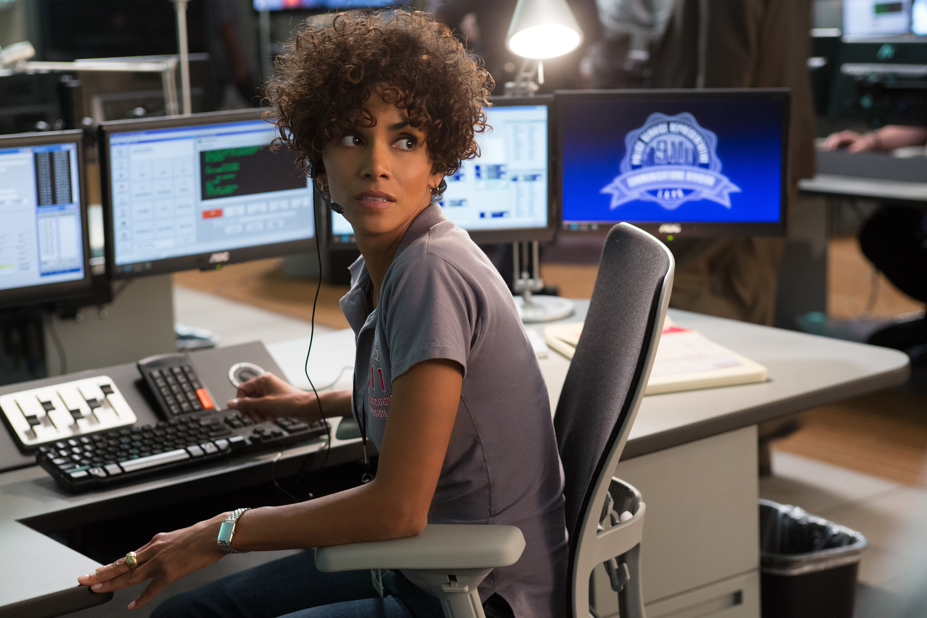 Halle Berry as 911 operator Jordan Turner in THE CALL