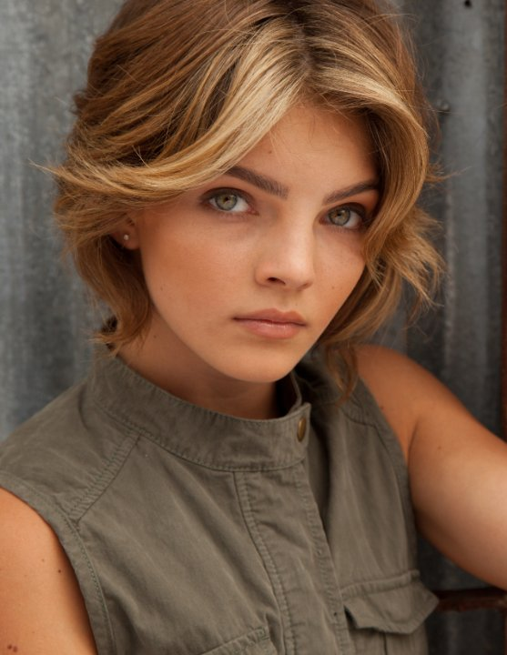 Michelle Pfeiffer Doppelganger is Selina Kyle On Fox's ...
