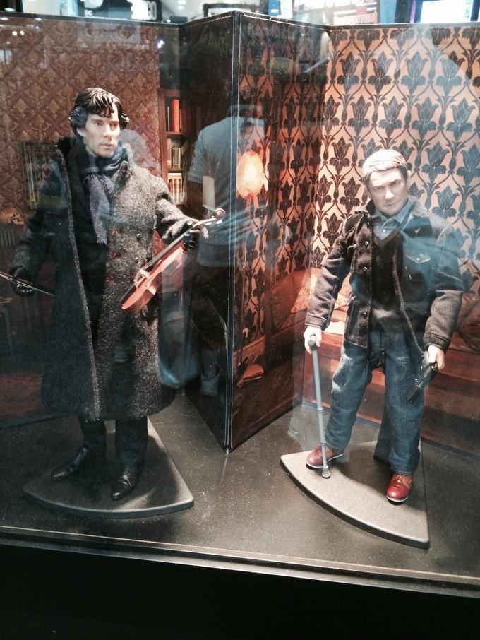 Cumberbatch/SHERLOCK figure
