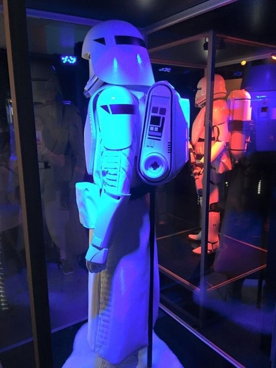 THE FORCE AWAKENS costume - Celebration