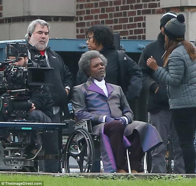 UNBREAKABLE Sequel!! Want To See What Sam Jackson's Wig ... Bruce Willis Facebook