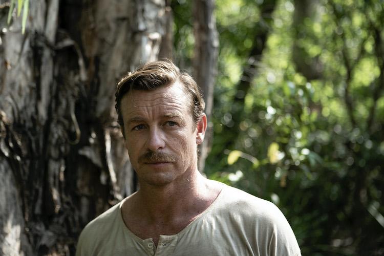 Simon Baker as Travis in the adventure/drama film, HIGH GROUND, a Samuel Goldwyn Films release. Photo Courtesy of Samuel Goldwyn Films.