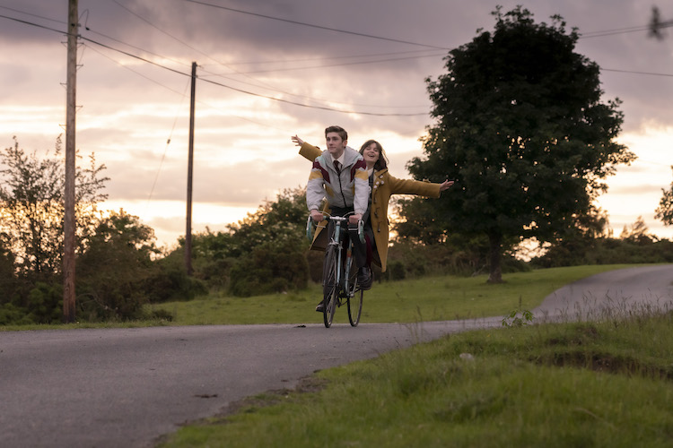 (L - R) Fionn O'Shea as Eddie and Lola Petticrew as Amber in the Comedy/LGBTQ/Romance/Drama , DATING AMBER , a Samuel Goldywn Films release. Photo courtesy of Samuel Goldwyn Films